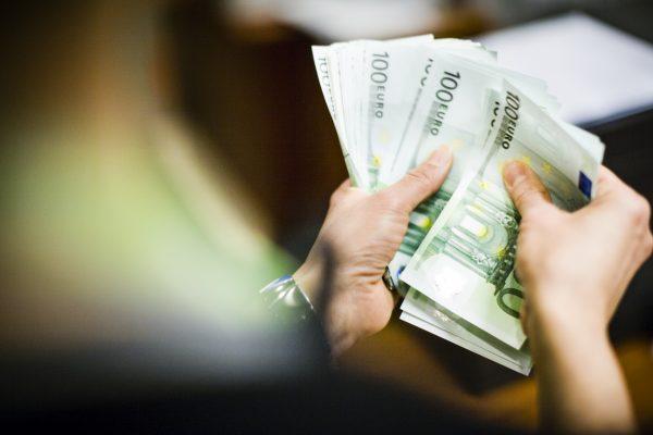 Как решить финансовые проблемы?